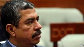#BBCtrending: Yemeni PM turns to Facebook for help