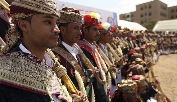 الأعراس في اليمن.. سياسة وأسلحة وتمييز اجتماعي